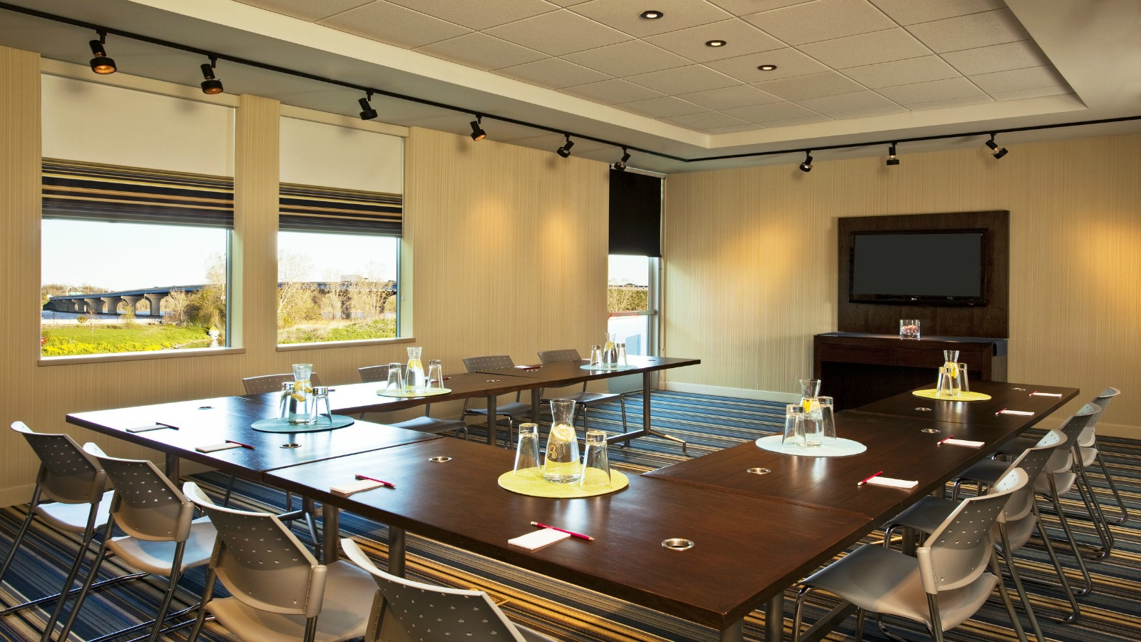 Green Bay Meetings - Tactic Meeting Room